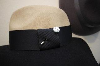 mudu-silver-hat-pin