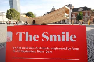 the-smile-signage