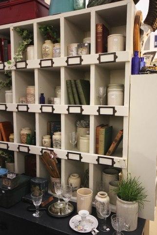 bennett-barnes-antiques-display