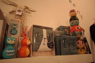 eenymeeny-toys-shelf