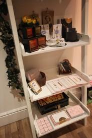 jessica-de-lotz-shelves